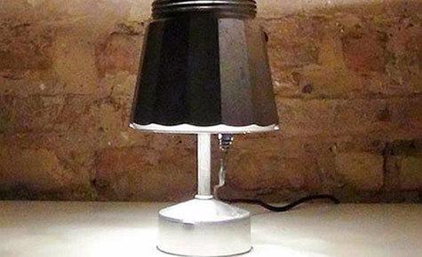 Faça você mesmo: luminária retrô a partir de cafeteira italiana